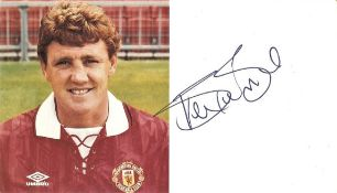 STEVE BRUCE HAND SIGNED MANCHESTER UNITED CLUB CARD