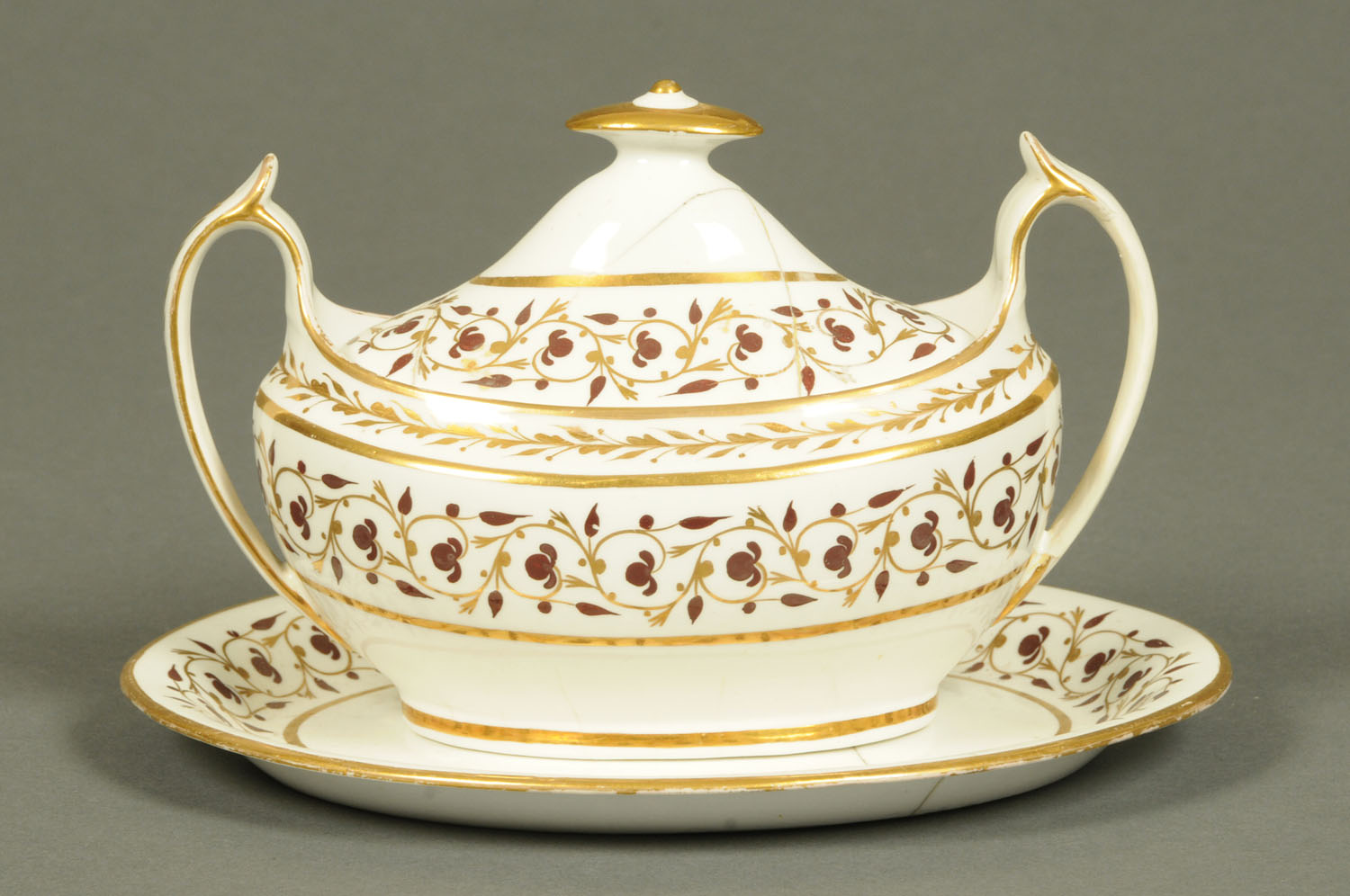Lot 20 - A Spode sucrier, cover and stand,