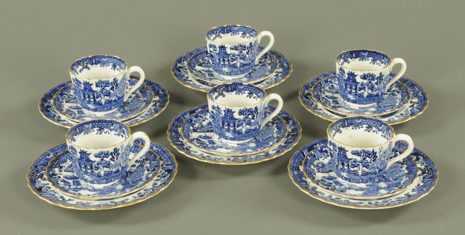 Lot 42 - A Copeland's china 6 place blue and white willow pattern tea set, late 19th century,