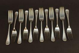 Twelve Old English pattern silver forks,