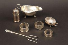 A small quantity of miscellaneous silver