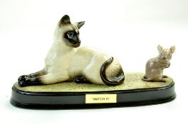 A Beswick Siamese cat and mouse group 'Watch It' No.1558/1678 Gloss on ceramic base. Measures 15.5cm