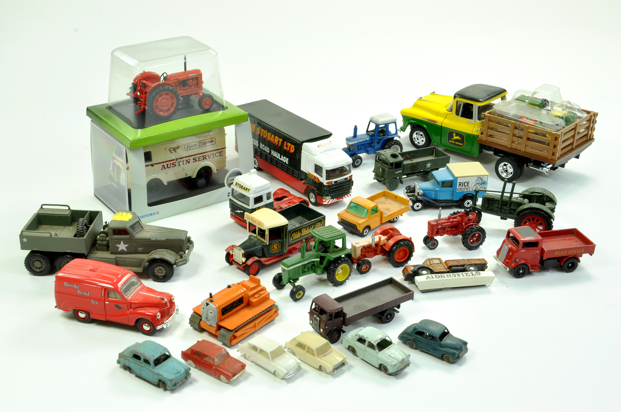 Lot 25 - Misc diecast group plus plastic issues comprising various makers. Includes 1/43 UH Nuffield tractor,