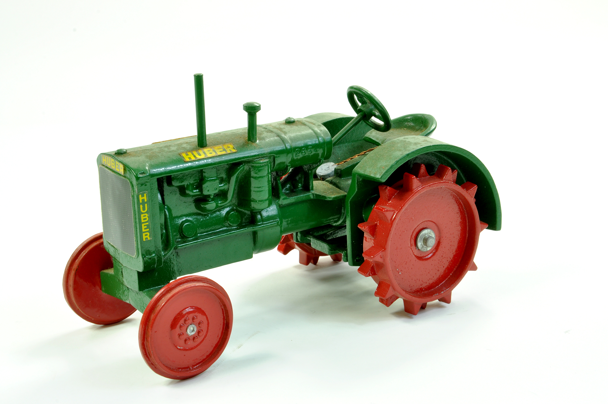 Lot 10 - Scale Models 1/16 diecast farm issue comprising Huber Vintage Tractor. A little dusty but