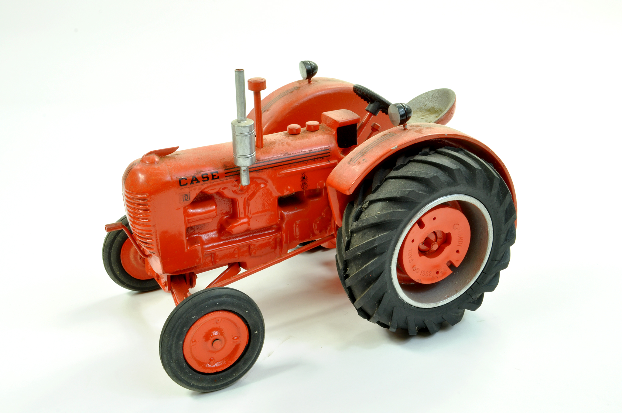Lot 5 - Lyle Dingman (Gilson Riecke) 1/16 diecast (heavy) Case D Tractor. Generally very good to excellent