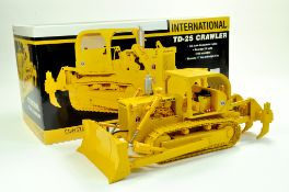 First Gear 1/25 International TD25 Crawler Tractor with Ripper, Dozer Blade and ROPS. Superb piece