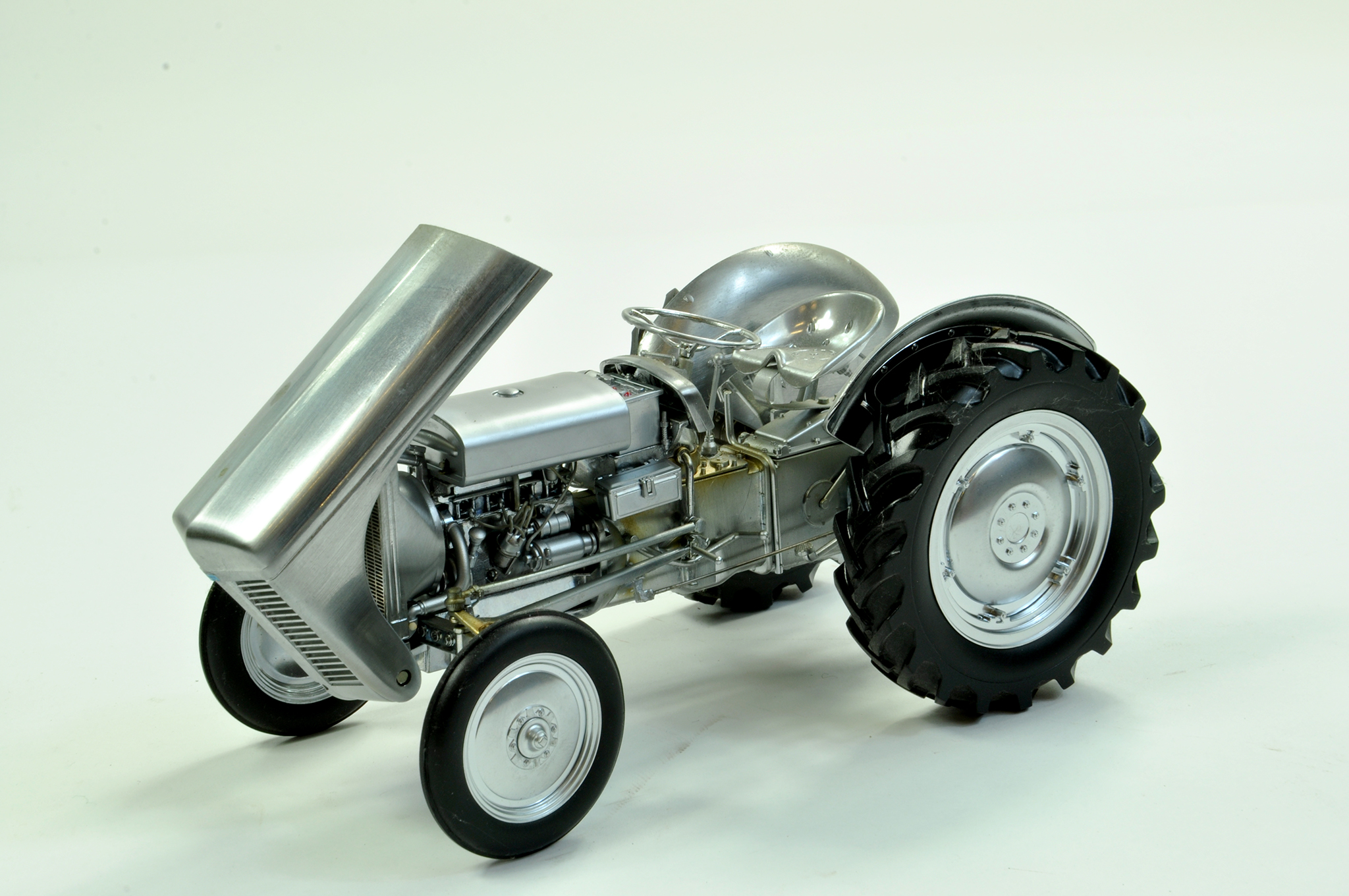 Lot 19 - Universal Hobbies 1/16 Diecast Farm Issue comprising Ferguson TE20 Brushed Metal Special Edition