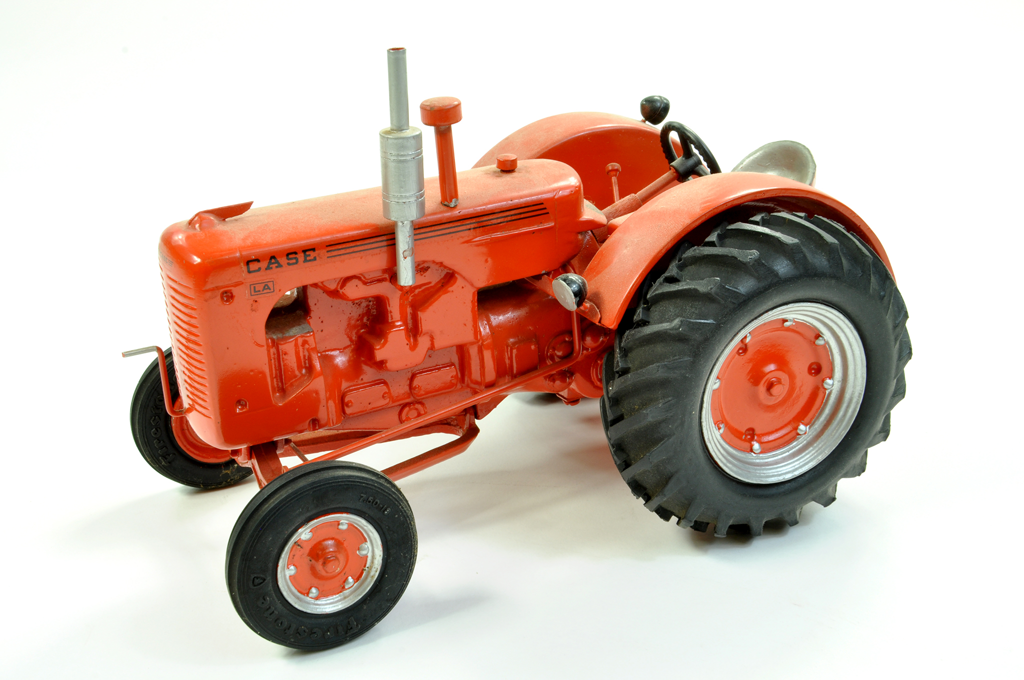 Lot 4 - Lyle Dingman (Gilson Riecke) 1/16 diecast (heavy) Case LA Tractor. Generally very good to