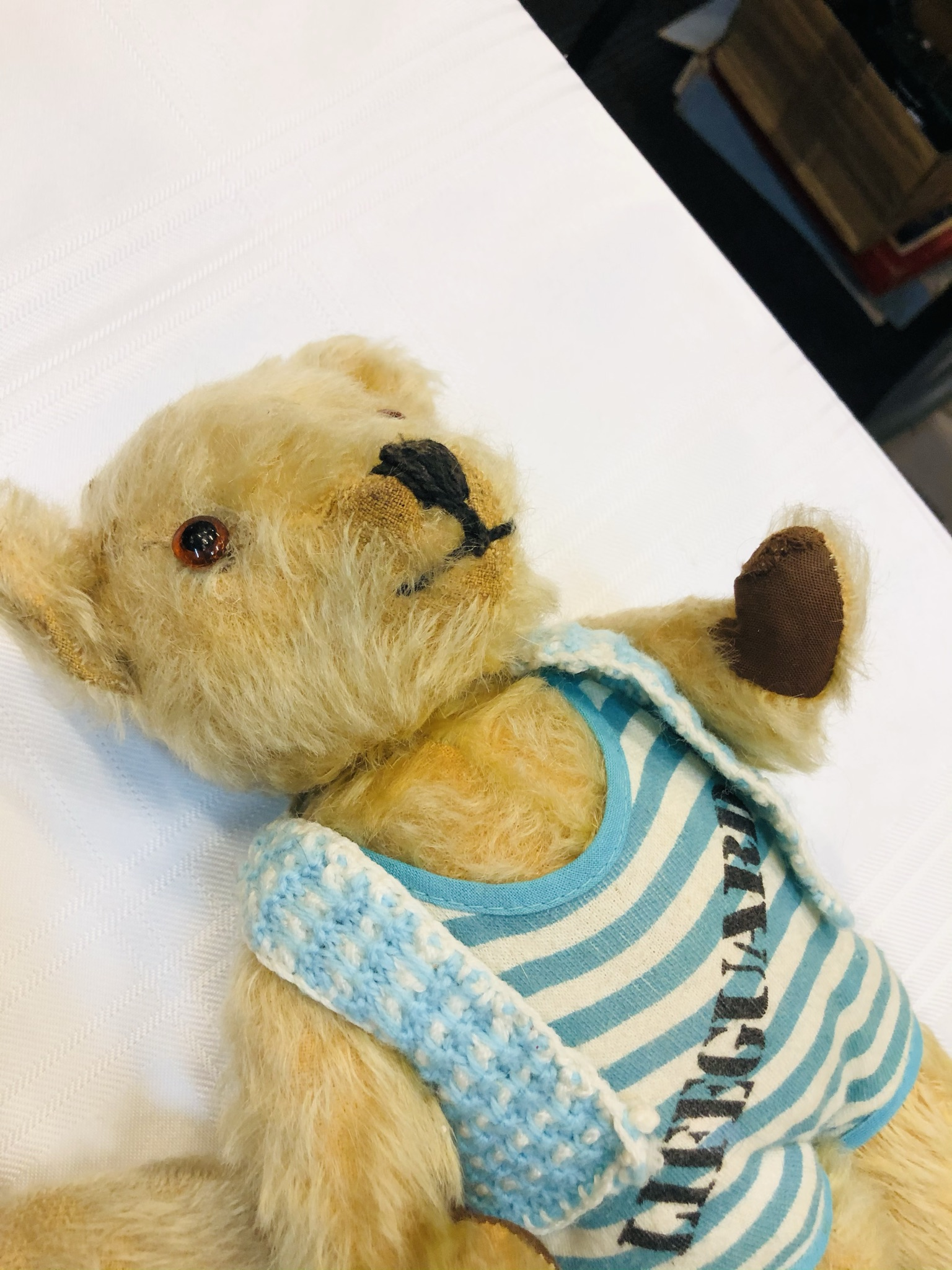 Trio of vintage bears, slightly smaller then previous lots. Includes an early Chad Valley example. - Image 5 of 6