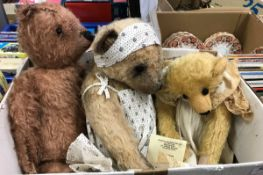 A collection of various soft toys to include a Jane Patterson Stoneleigh Bears gold plush bear,