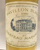 Six bottles Chateau du Margaux Pavillon Blanc 1986 CONDITION REPORTS Neck levels