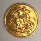A George V gold half sovereign, 1914, 4