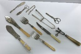 A small quantity of plated cutlery to in