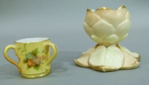 A Grainger & Co Royal China Works, Worcester tyg, 4cm high and an ivory ground lotus shaped vase
