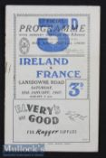 1947 Ireland v France Rugby Programme: Small staple rust mark and minor tear to top of rear cover^