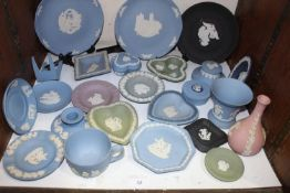 SECTION 32. A collection of assorted Wedgwood blue, green, black and pink Jasperware items