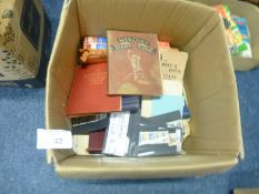 Stamps : Very large box of stamps in albums, loose