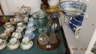 A qty of glassware etc.