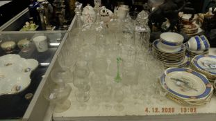 A qty of assorted glassware