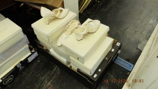 11 pairs of ladies shoes sizes 3.