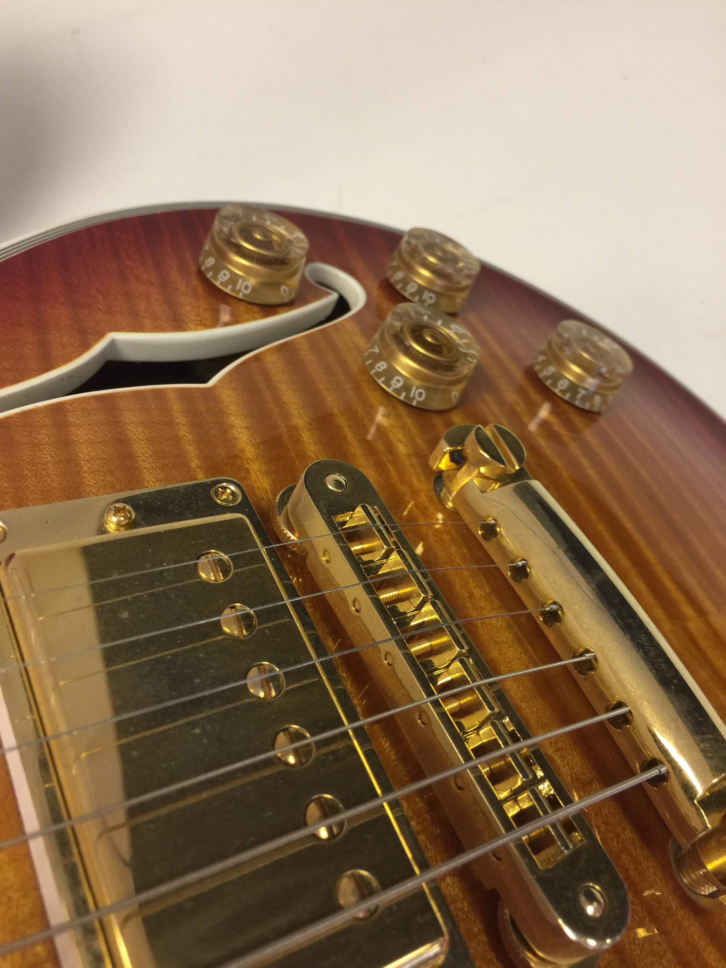 Lot 22 - GIBSON 2014 120TH ANNIVERSARY LES PAUL ELECTRIC GUITAR.