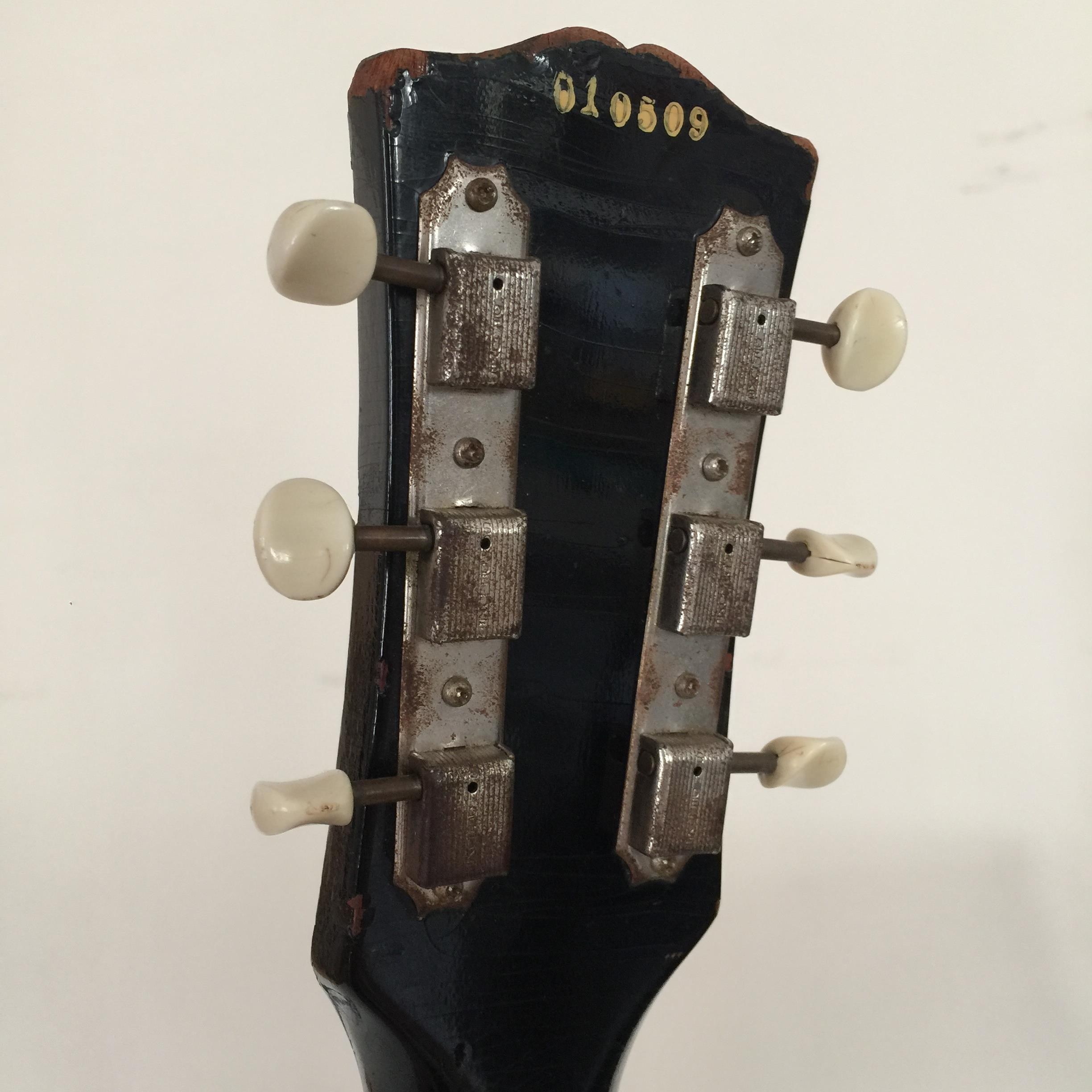 Lot 29 - GIBSON LES PAUL JUNIOR BLACK 1960 ELECTRIC GUITAR.
