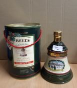 75cl Bells Christmas 1989 blended Scotch Whisky decanter, with gift tin