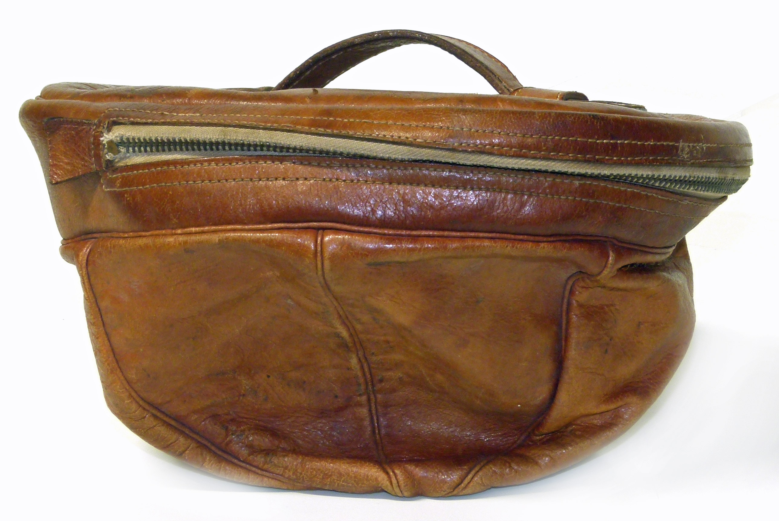 """Lot 50 - Mens leather seven panel cap carrier, stamped """"Relampago"""". We are unable to do condition reports"""