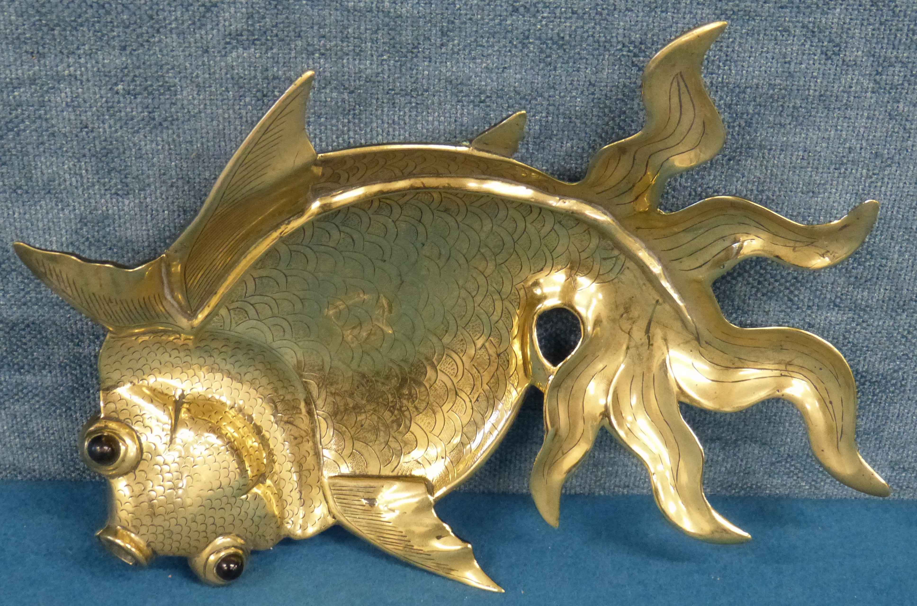 Lot 69 - Brass fish dish with glass eyes We are unable to do condition reports on our Interiors Sale