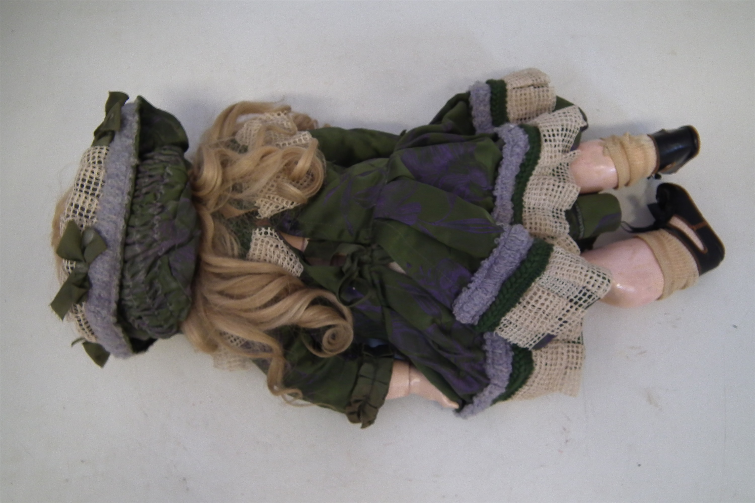 Lot 108 - Jumeau doll, with open mouth and sleep eyes, the reverse of the head marked DEP and 11 at the base