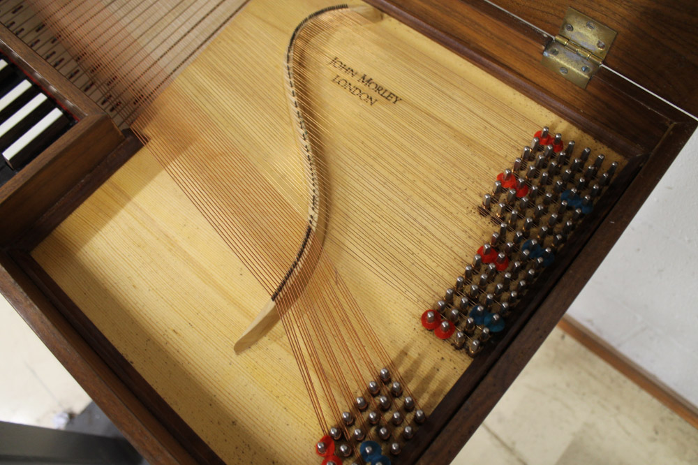 Morley clavichord A Morley clavichord in a walnut case on turned and fluted legs. - Image 3 of 5