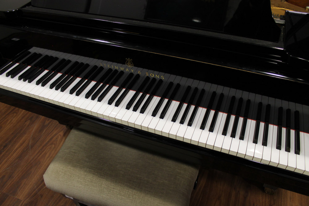 Steinway (c1971) A 6ft 11in Model B grand piano in a bright ebonised case on square tapered legs; - Image 4 of 4