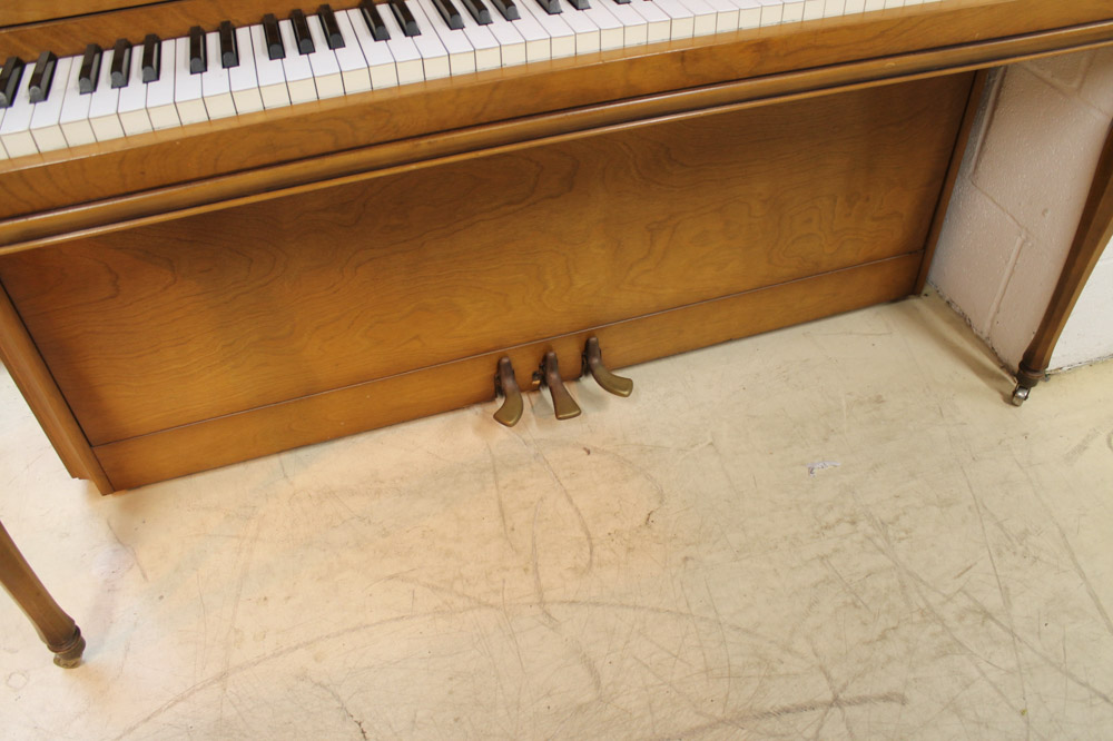 Yamaha (c1971) An upright piano in an American 'spinet' style case; together with a matching stool. - Image 5 of 6