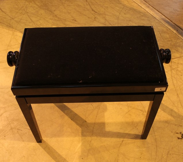 Yamaha (c2009) A 5ft 6in Model GC2 grand piano in a bright ebonised case on square tapered legs; - Image 3 of 8