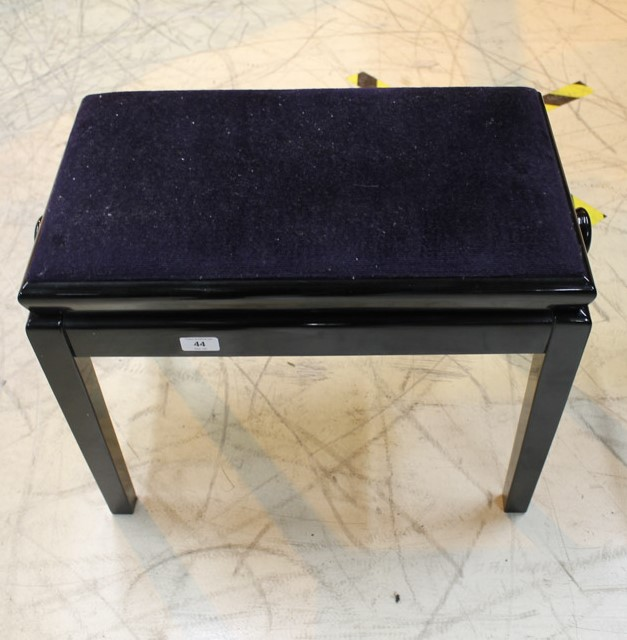 Schimmel (c1961) A 6ft 3in Model 190 grand piano in a bright ebonised case on square tapered legs; - Image 2 of 5