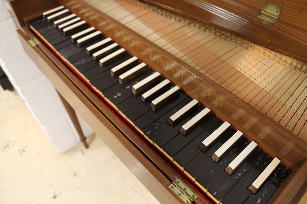 Morley clavichord A Morley clavichord in a walnut case on turned and fluted legs. - Image 4 of 5