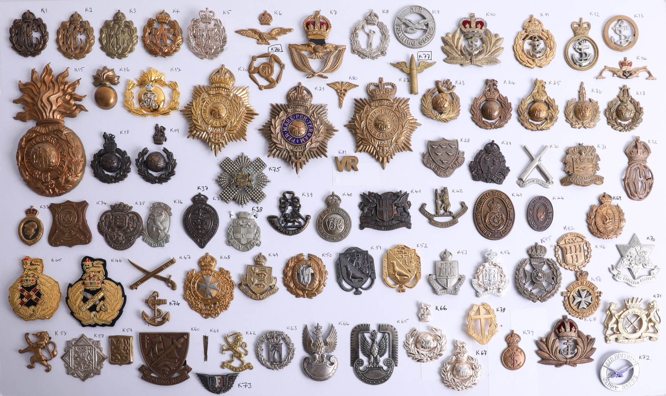 Lot 011 - A collection of approx. 82 military cap and other badges including Royal Observer Corps, Royal
