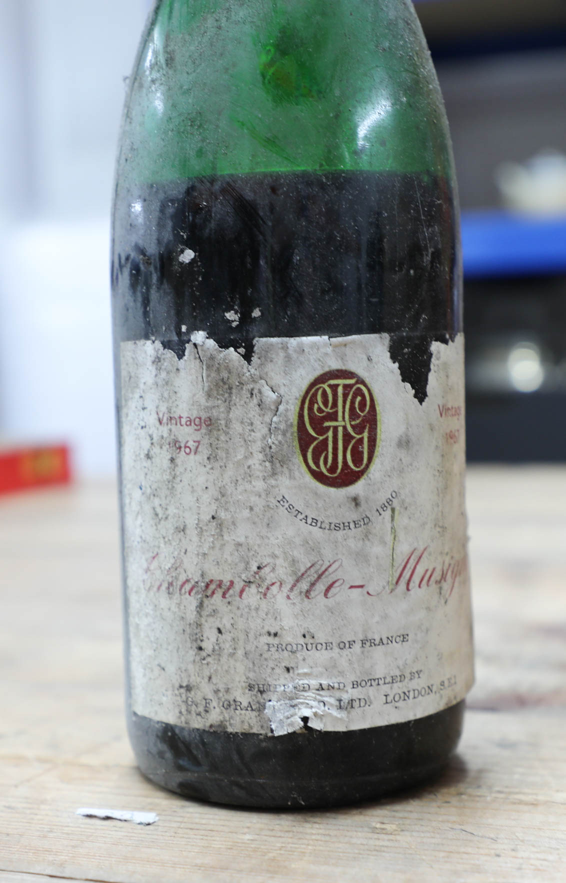Lot 049 - A collection of forty two bottle of various wines, port and champagnes to include 1972 La Cour