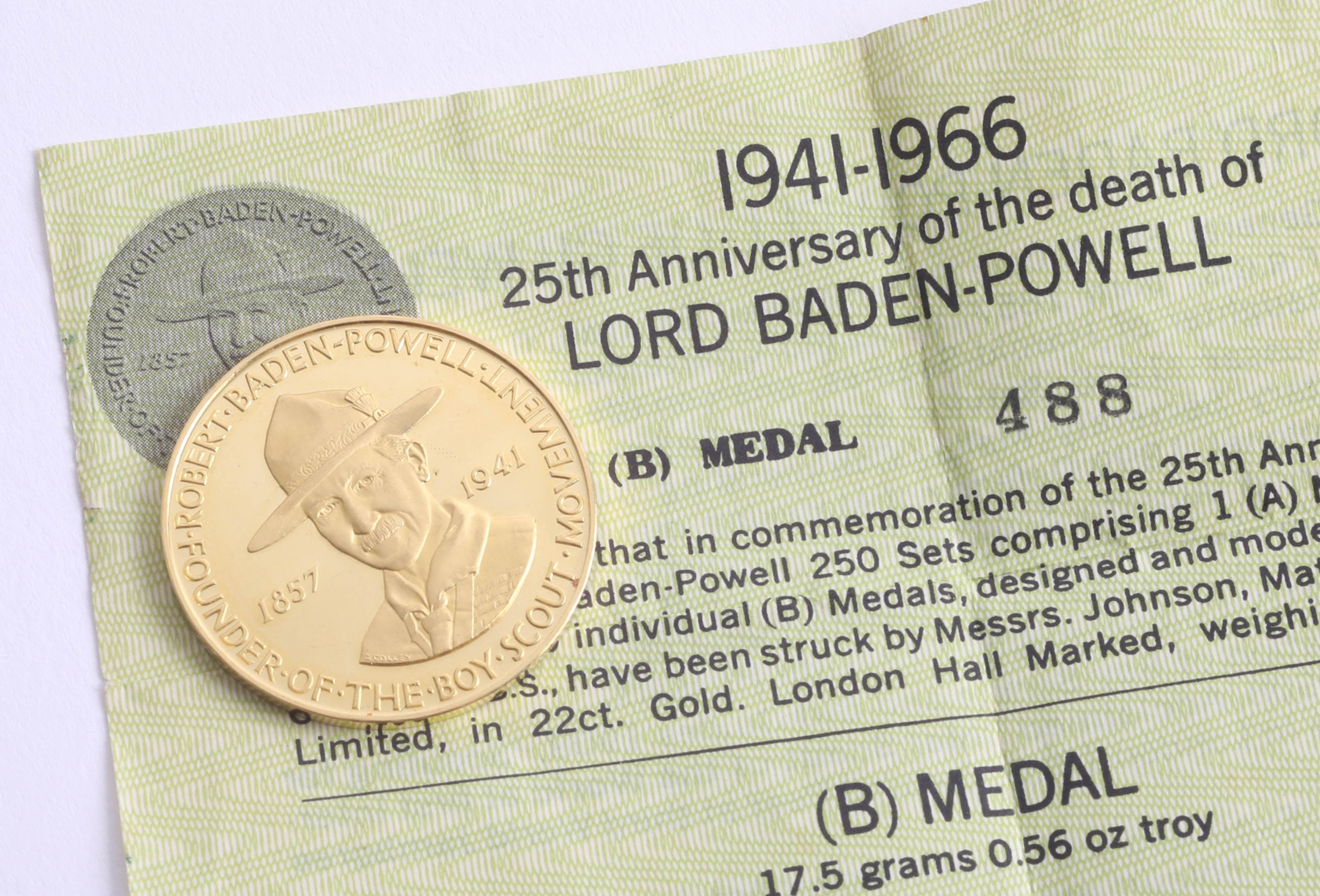 Lot 046 - A gold medal to celebrate 25th anniversary of the death of Lord Baden Powell 17.5g with certificate,