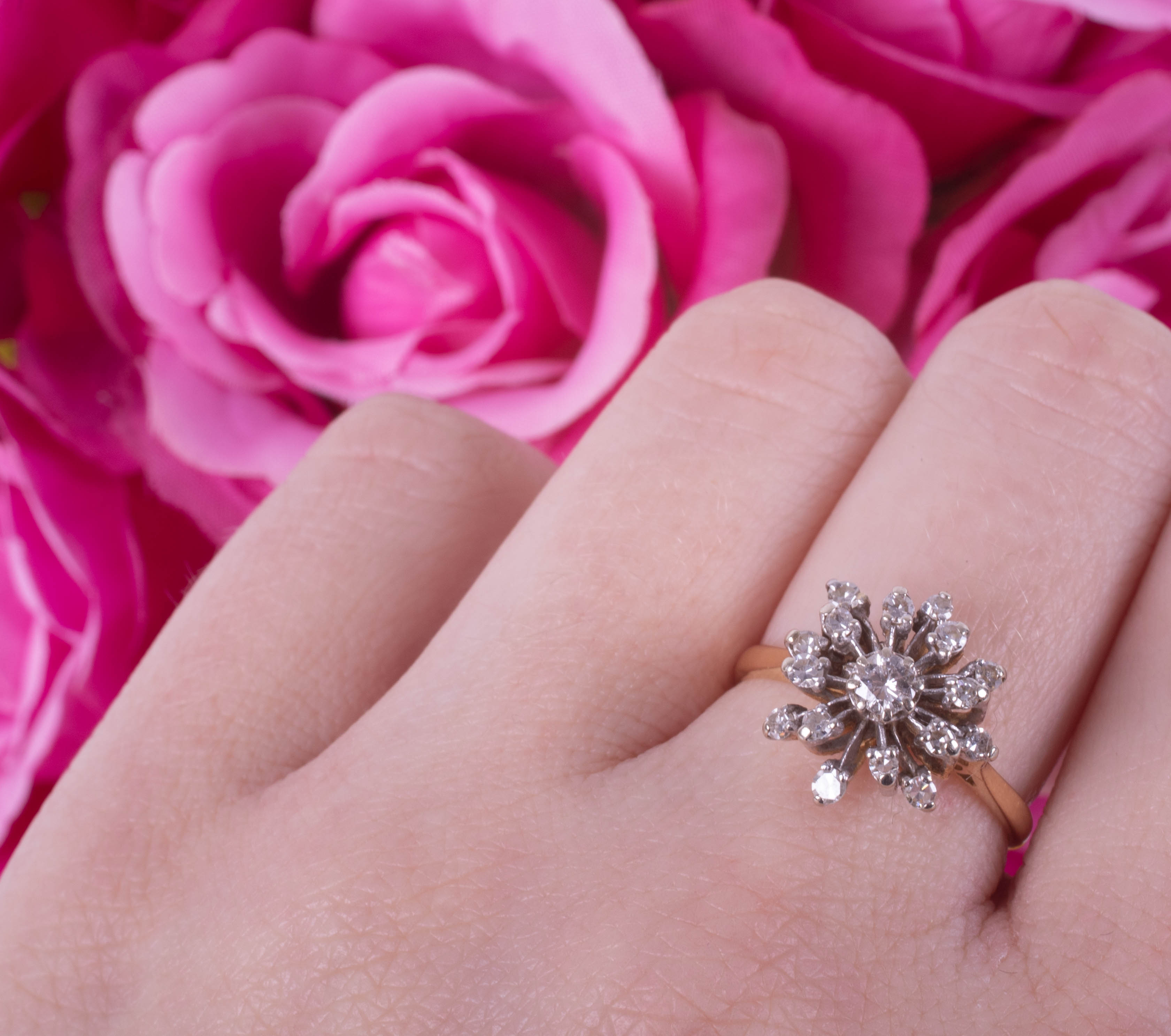 An 18ct diamond cluster ring set in yellow gold, size N. - Image 3 of 3