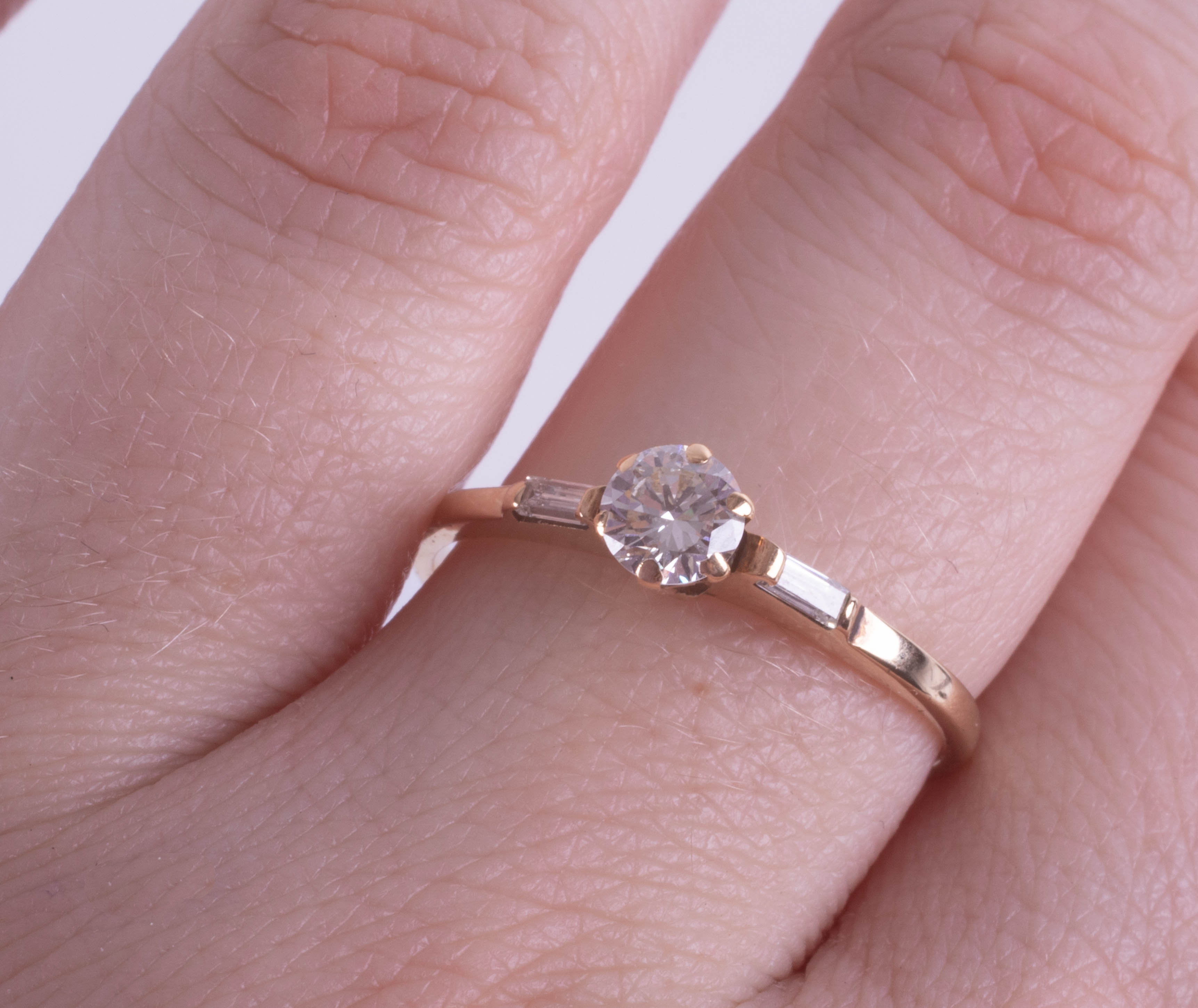 An 18ct yellow gold diamond ring set with further diamonds to the shoulders, approx. 0.50ct, ring - Image 2 of 2