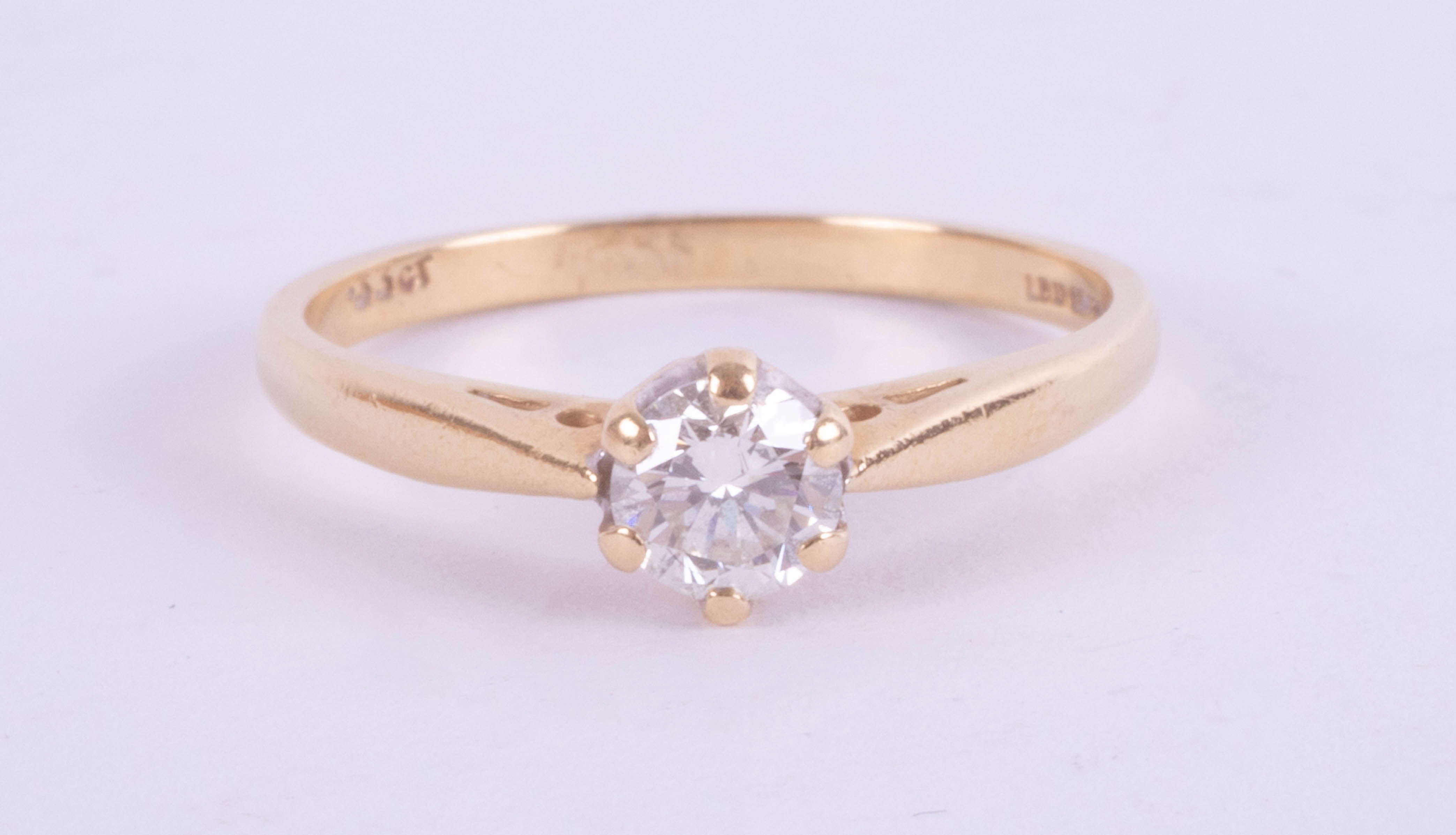 An 18ct yellow gold solitaire ring approx. 0.45ct, ring size K.