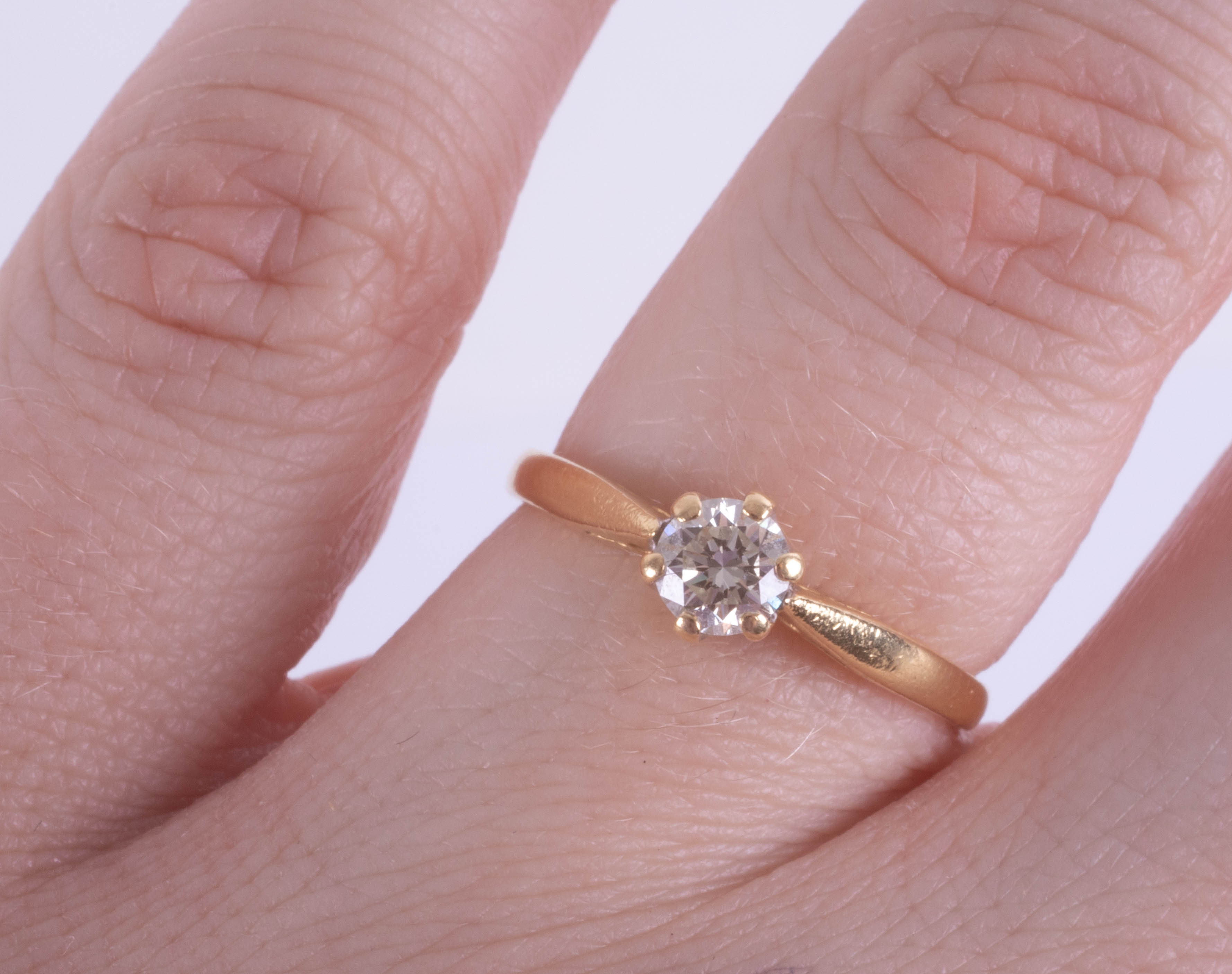 An 18ct yellow gold solitaire ring approx. 0.45ct, ring size K. - Image 2 of 2