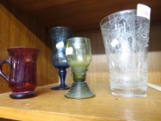 ETCHED GLASS VASES DEPICTING ASSYRIAN FIGURES, HEIGHT 16CM, TOGETHER WITH THREE COLOURED GLASSES