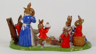 Royal Doulton Bunnykins Tableau piece Family Picnic: DB481, limited edition, boxed with certificate.