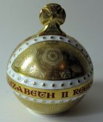 Royal Crown Derby paperweight QEII CORONATION ORB 375/950: Gold stopper, certificate, first quality,