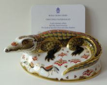 Royal Crown Derby paperweight CROCODILE: Gold stopper, certificate, first quality,