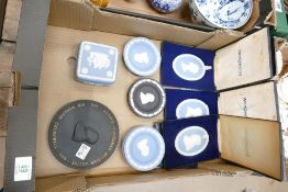 A collection of Wedgwood: to include boxed plaques, pin trays, lidded box etc