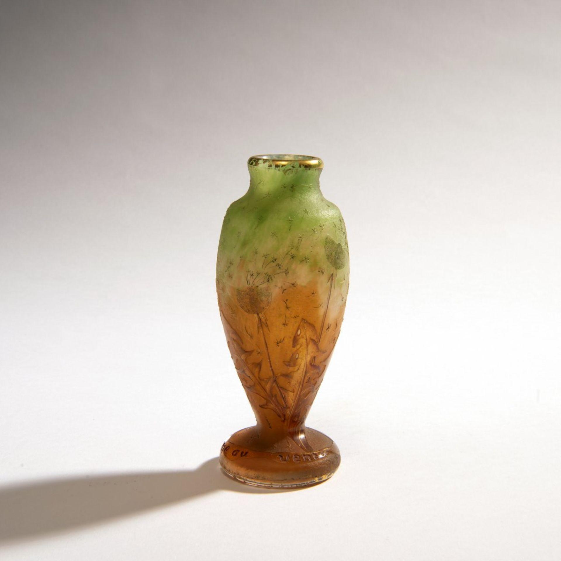 Los 123 - Daum Frères, Nancy , Vase 'Comme la plume au vent', um 1900Vase 'Comme la plume au vent', um...