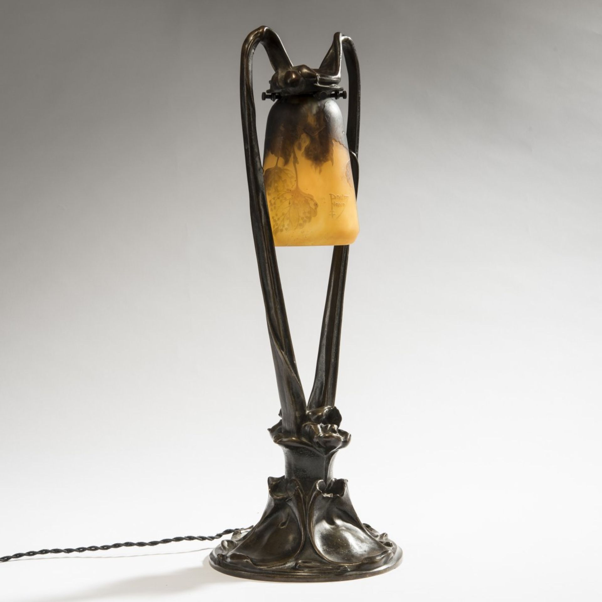 Daum Frères, Nancy; Claudius Marioton, 'Nénuphars' lamp base with 'Tilleul' shade, c. 1910 - Bild 4 aus 5